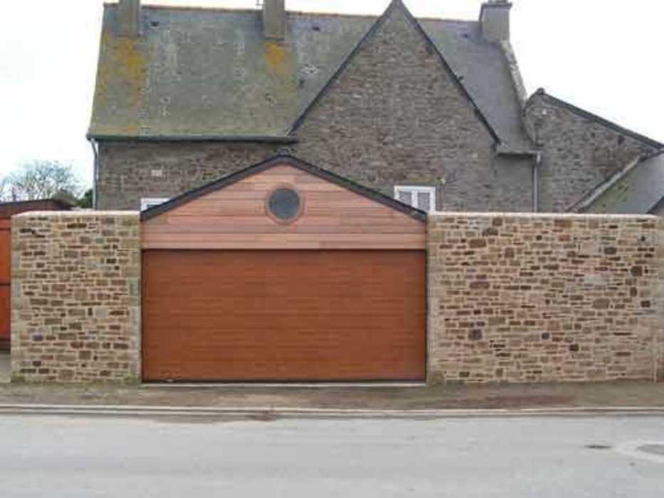Construction d''un garage en pierre à Saint-Malo. 0